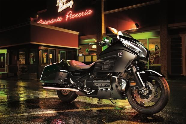 2013-Honda-Goldwing-FB6